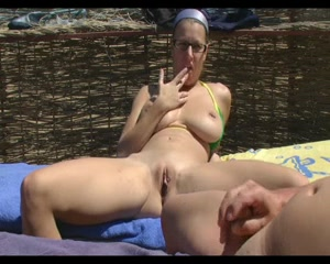 amateurs dick is showing caught by mature woman