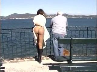 flashing public women nude in